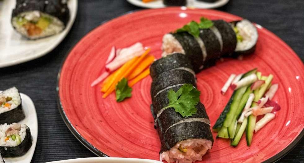 alt= sushi saludable